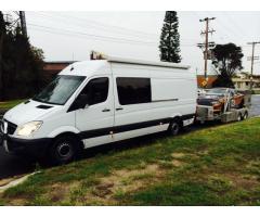 Tow Vehicle / Motorhome.